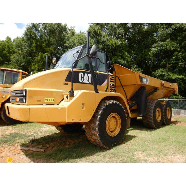 2013 CAT 725 Articulated Truck