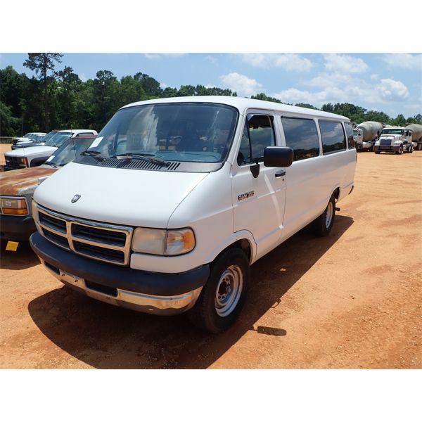 1994 DODGE RAM 3500 Passenger Van