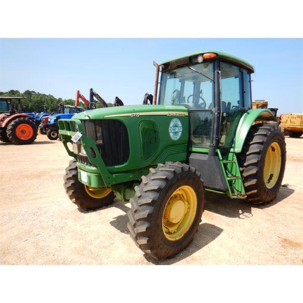 JOHN DEERE 6715D Farm Tractor