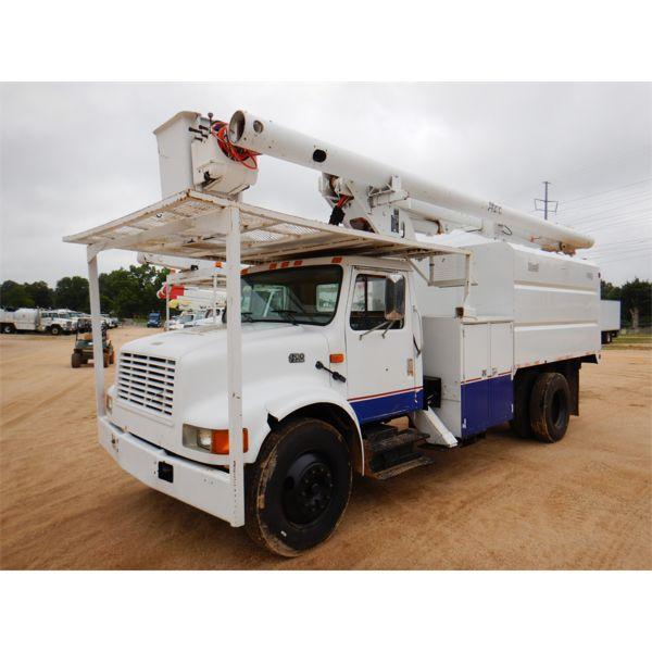 2002 INTERNATIONAL 4700 Bucket Truck