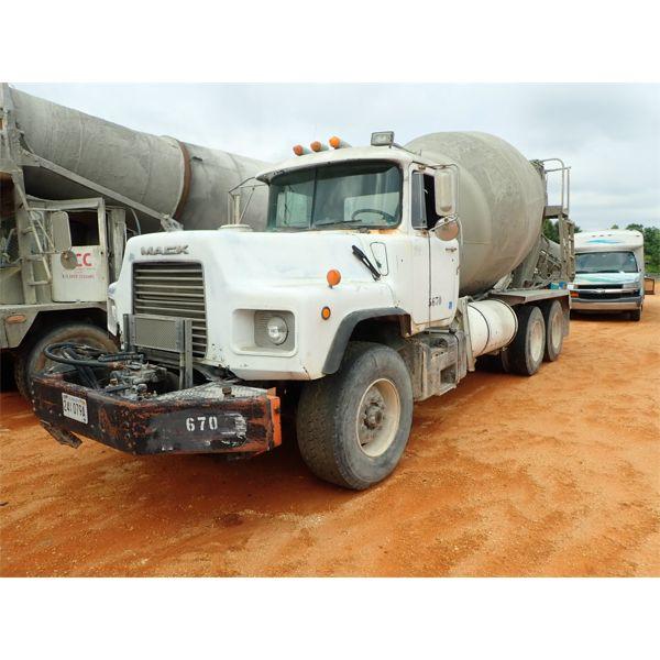 1995 MACK DM690S Concrete Mixer / Pump Truck