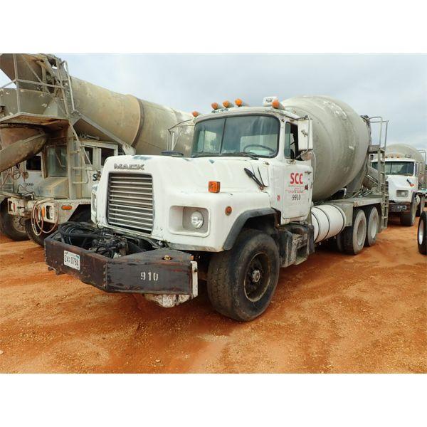 1997 MACK DM690S Concrete Mixer / Pump Truck