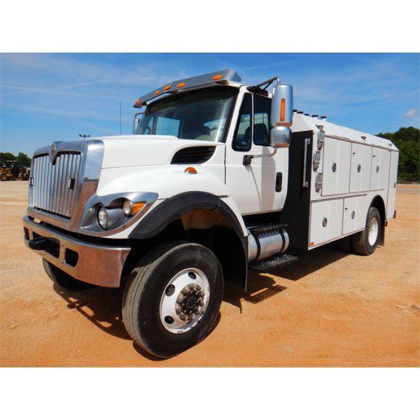 2014 INTERNATIONAL WORKSTAR 7400 Fuel / Lube Truck