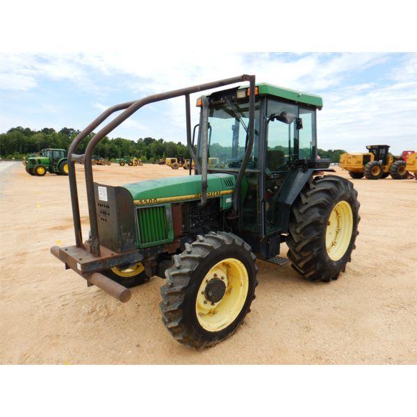 JOHN DEERE 5500 Farm Tractor