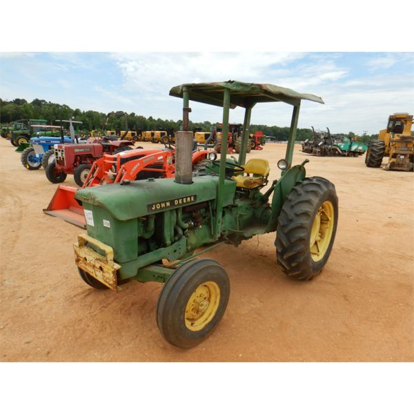JOHN DEERE 301-W Farm Tractor