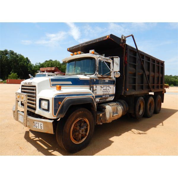 1991 MACK RD688S Dump Truck