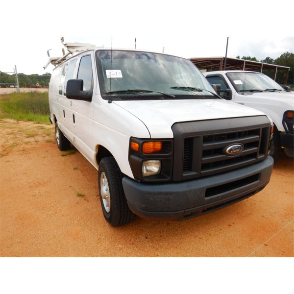 2012 FORD E350 Cargo Van