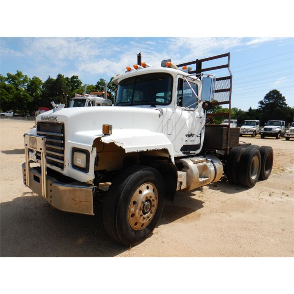 1996 MACK RD688S Day Cab Truck