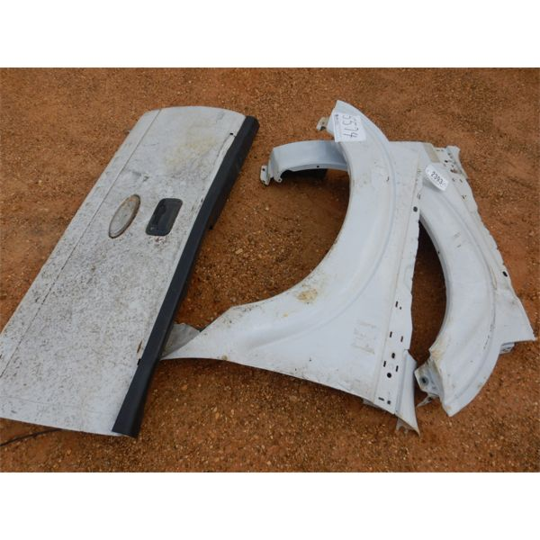 (2) FENDER PANEL & TAILGATE, FORD PICKUP (A1)