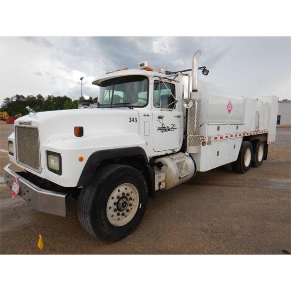 2002 MACK RD688S Fuel / Lube Truck