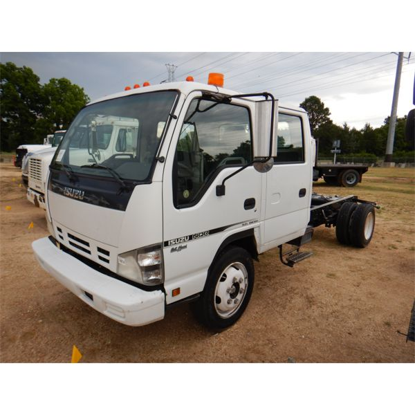 2006 ISUZU NQR Cab and Chassis Truck