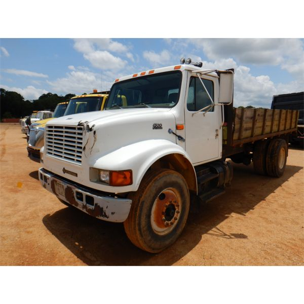 1998 INTERNATIONAL 4700 Flatbed Dump Truck