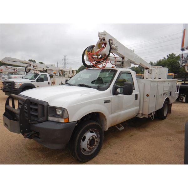 2003 FORD F550 XL Bucket Truck