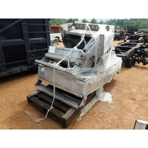 ALUMINUM STEP & BATTERY BOX FITS TRUCK/TRACTOR (A-1)