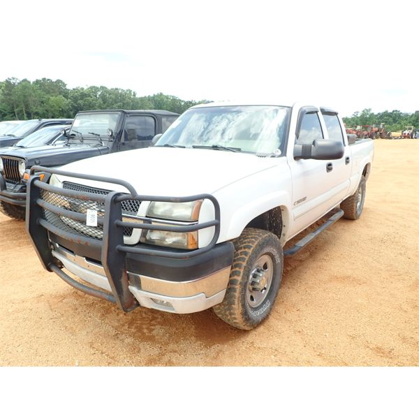 2004 CHEVROLET 2500 HD Pickup Truck