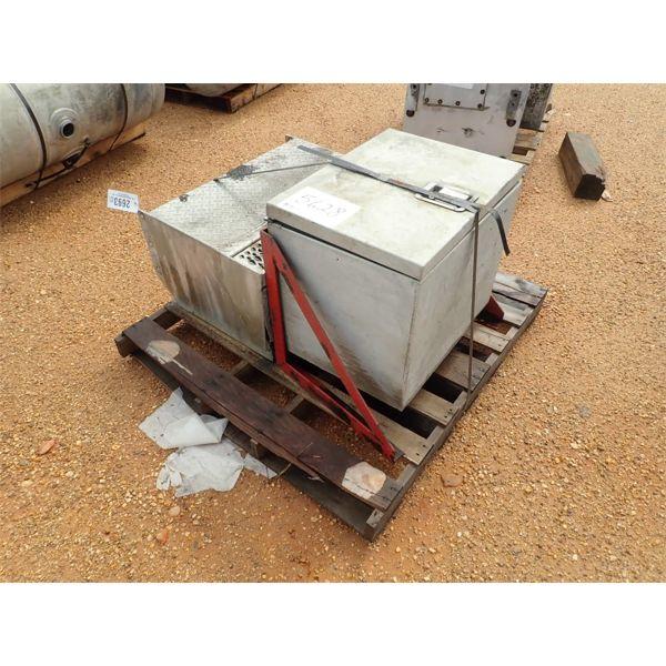 (2) SADDLE BOX (A1)
