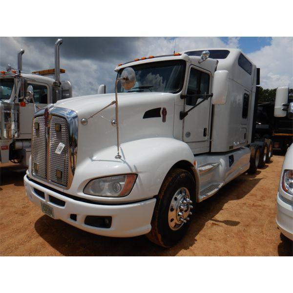 2013 KENWORTH T660 Sleeper Truck