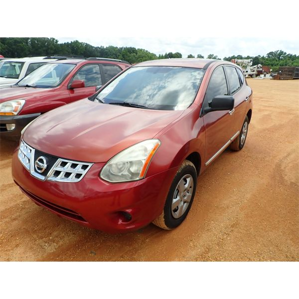 2011 NISSAN ROUGE SUV