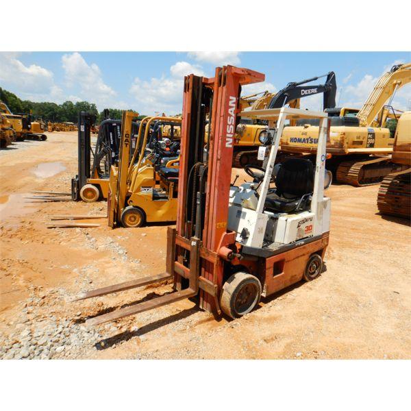 NISSAN 30 Forklift - Mast