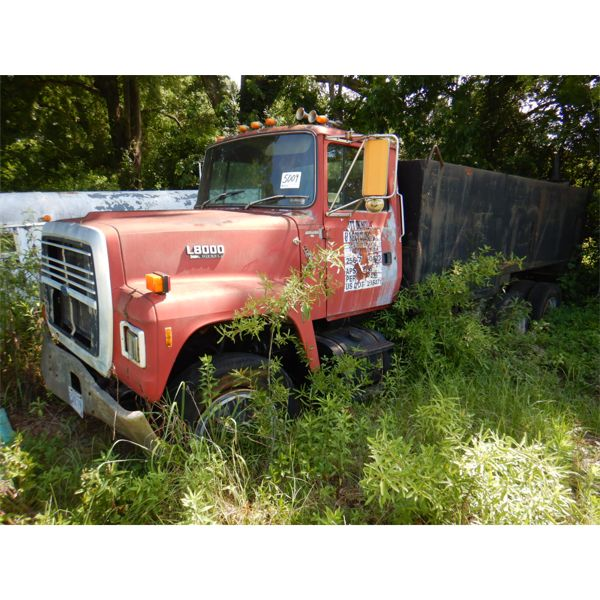 1991 FORD LT8000 Water Truck