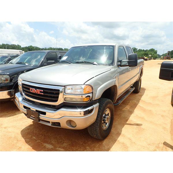 2004 CHEVROLET 2500 SLE Pickup Truck