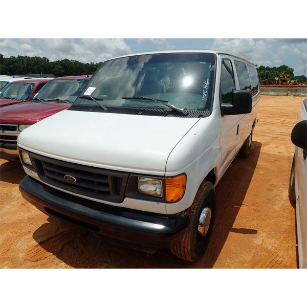 2006 FORD E350 Passenger Van