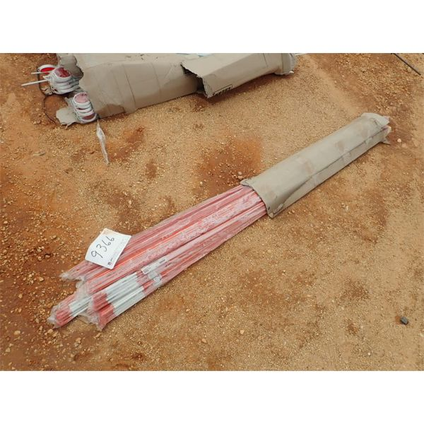 (1) box red reflective rods (C-6)