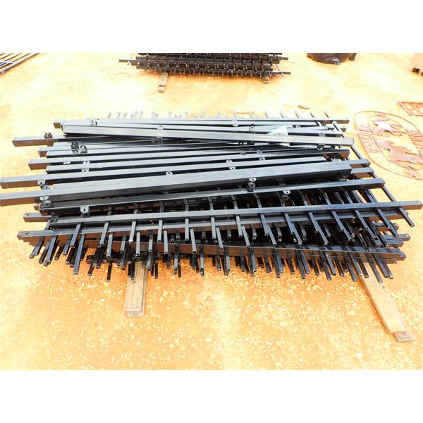 100' metal fencing w/post (C-6)