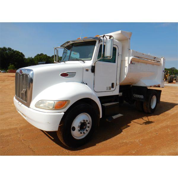 2005 PETERBILT 334 Dump Truck