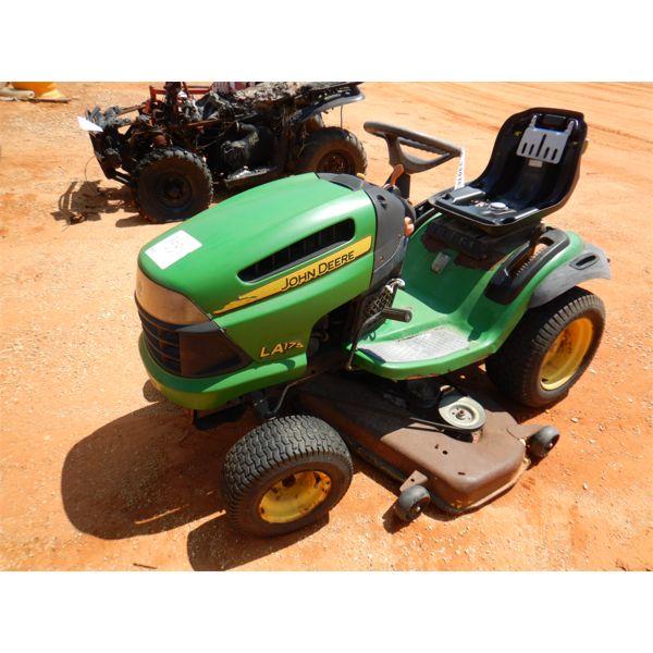 JOHN DEERE LA175 RIDING Lawn Mower