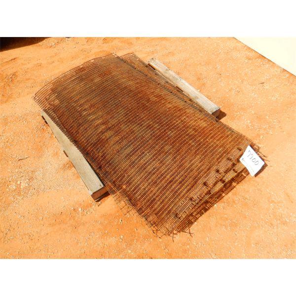 (1) PALLET GUARD WIRE SHEET (B-9)