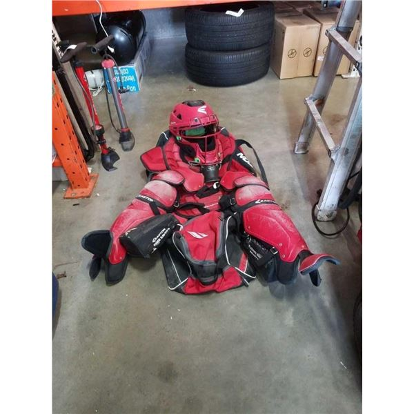 RED EASTON BACKCATCHING EQUIPMENT SET IN EASTON BAG