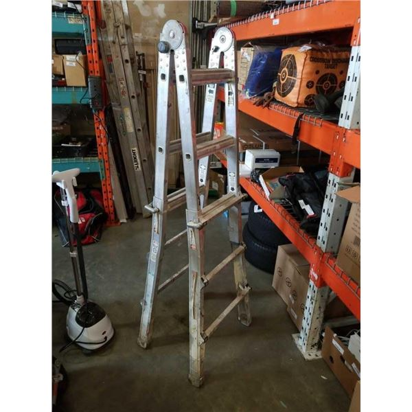 10 ft extendable aluminum ladder