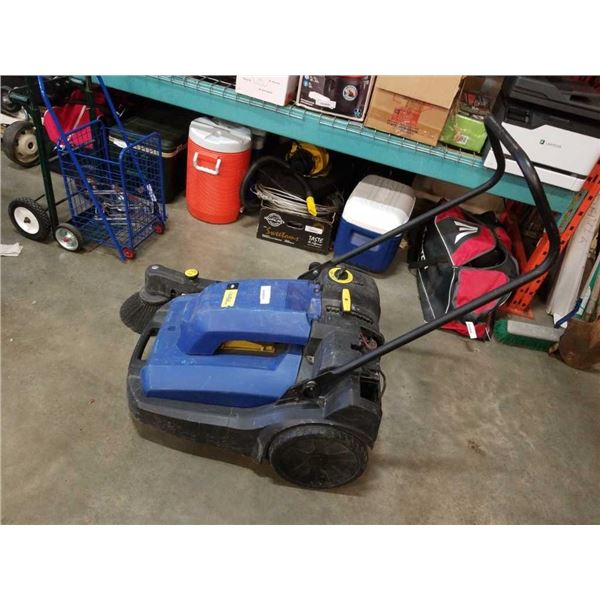 ELECTRIC RADIUS DELUXE PARKING LOT SWEEPING MACHINE