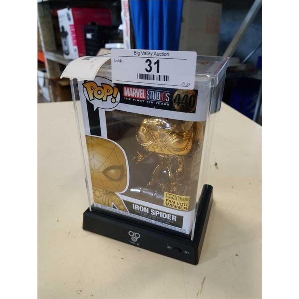 SPIDERMAN POP FIGURE AND LIGHT UP DISPLAY CASE