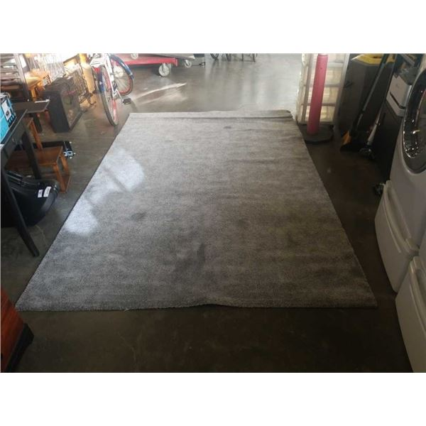 Approx 7' x 9' area rug