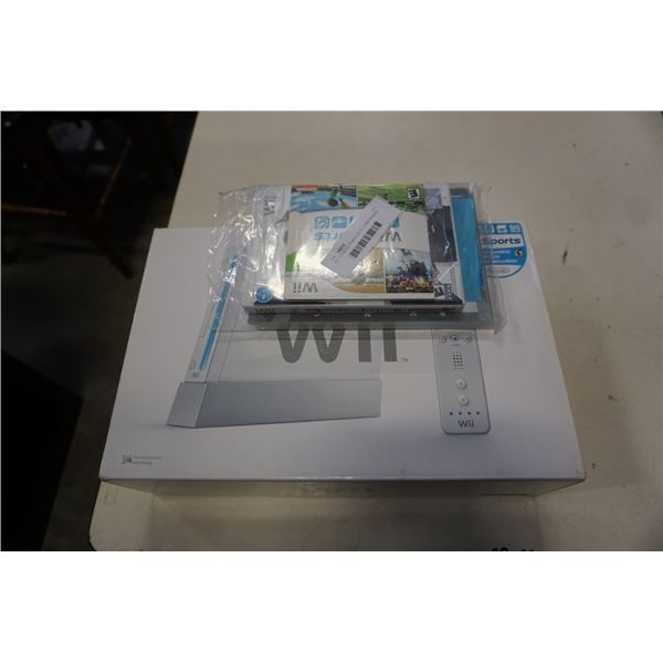 WII CONSOLE IN BOX WITH TIGER WOODS GAME