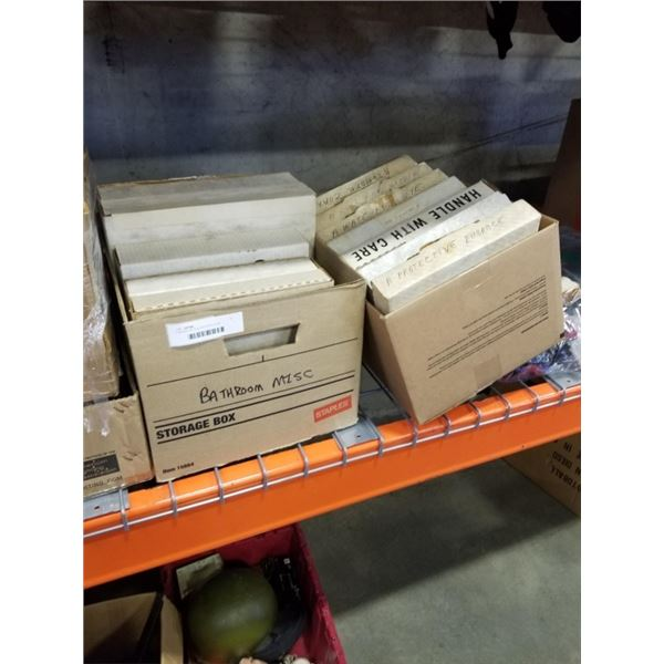 2 BOXES OF COLLECTOR PLATES