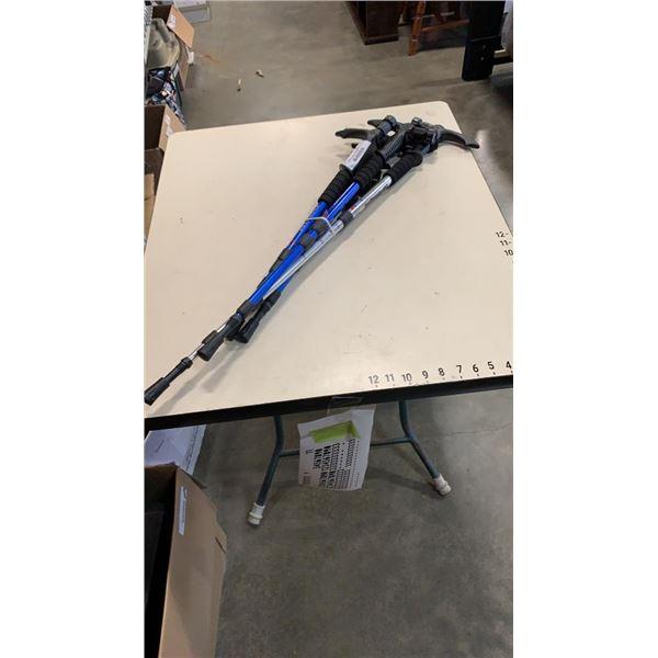 4 adjustable walking sticks/flashlights