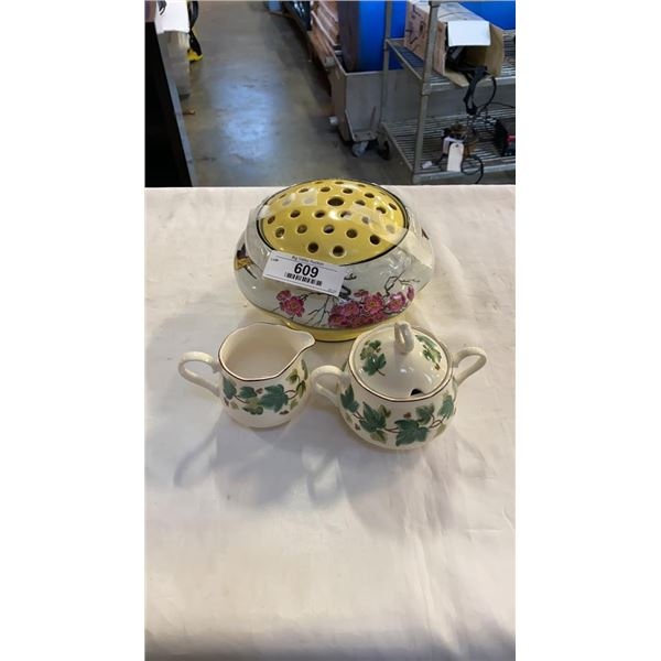 CROWN DUCAL PLANT FLOWER POT WITH FROG CA 1935 AND CASUAL LIVING CREAM AND SUGAR