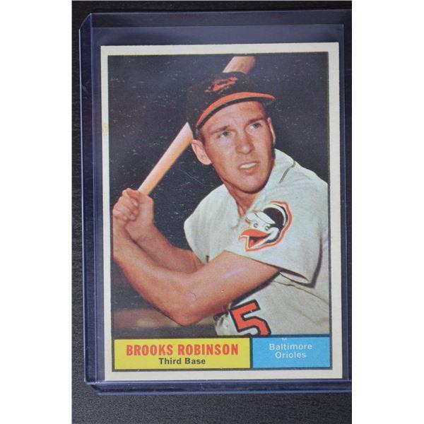 1961 Topps #10 Brooks Robinson