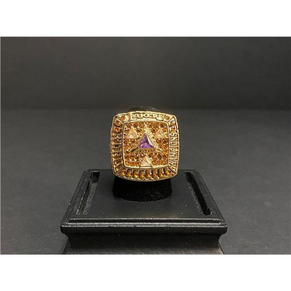 "L.A LAKERS 2009 NBA WORLD CHAMPIONSHIP REPLICA RING ""BRYANT"""