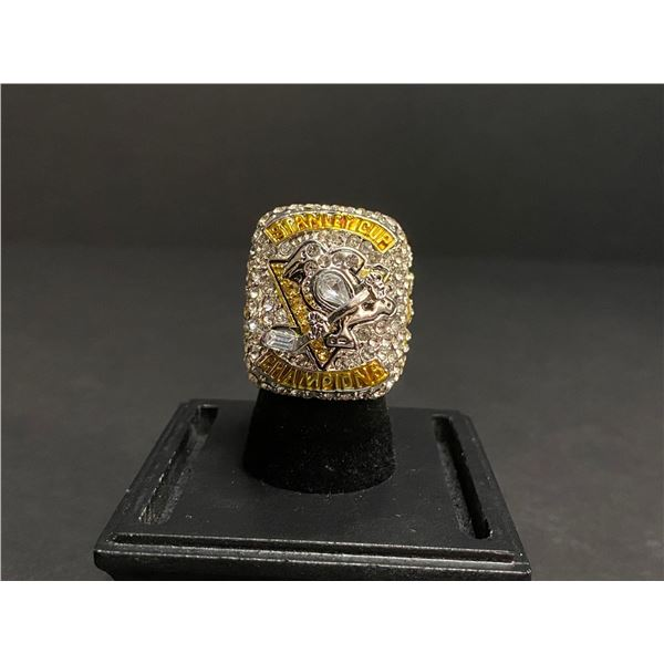 """PITTSBURGH PENGUINS 2017 NHL STANLEY CUP CHAMPIONSHIP REPLICA RING """"CROSBY"""""""