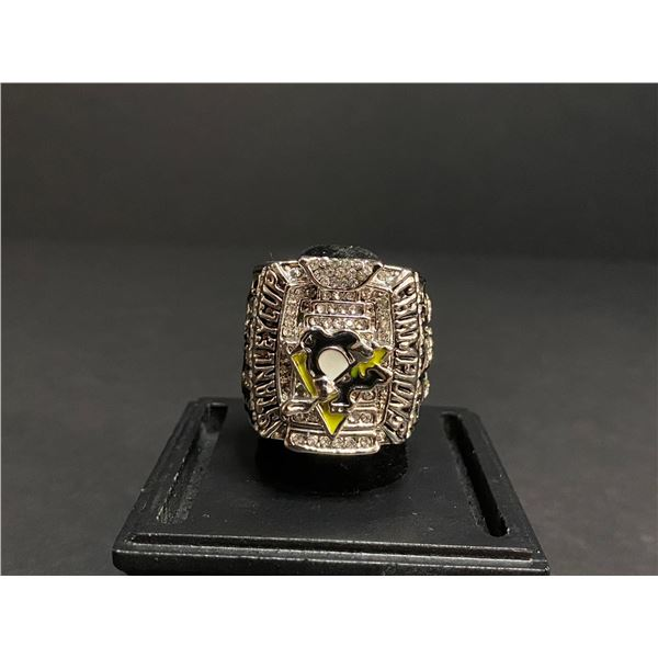 """PITTSBURGH PENGUINS 2009 NHL STANLEY CUP CHAMPIONSHIP REPLICA RING """"CROSBY"""""""