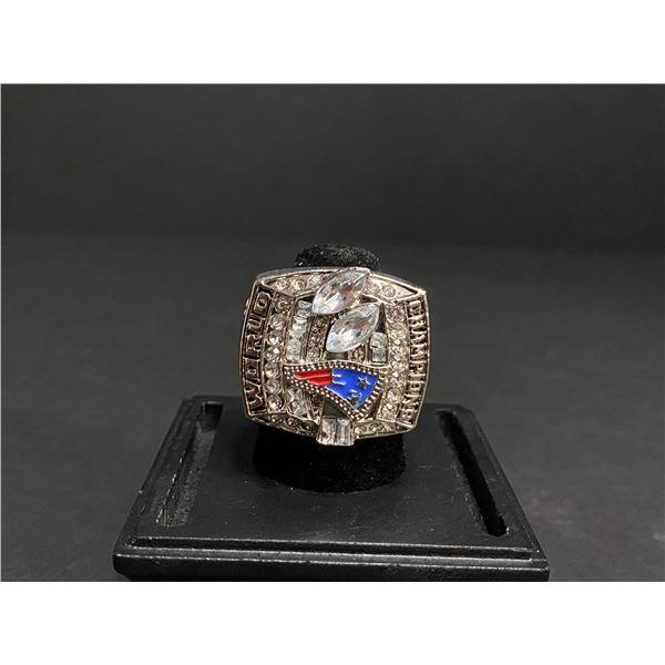 "NEW ENGLAND PATRIOTS 2003 NFL SUPERBOWL CHAMPIONSHIP REPLICA RING ""BRADY"""