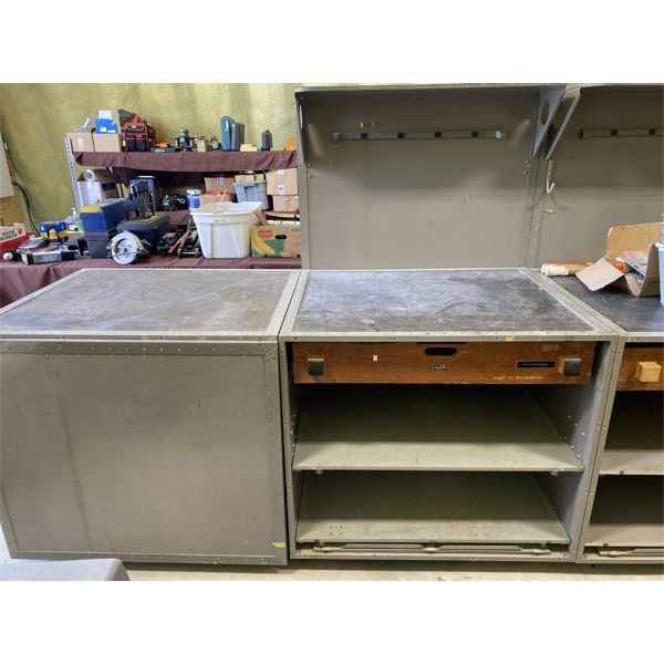 LOT OF 2 WORKBENCH / SHELVING UNITS - PIC SHOWS ONE CLOSED
