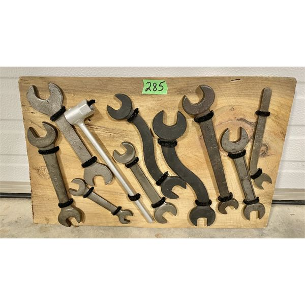 DISPLAY BOARD OF ANTIQUE WRENCHES