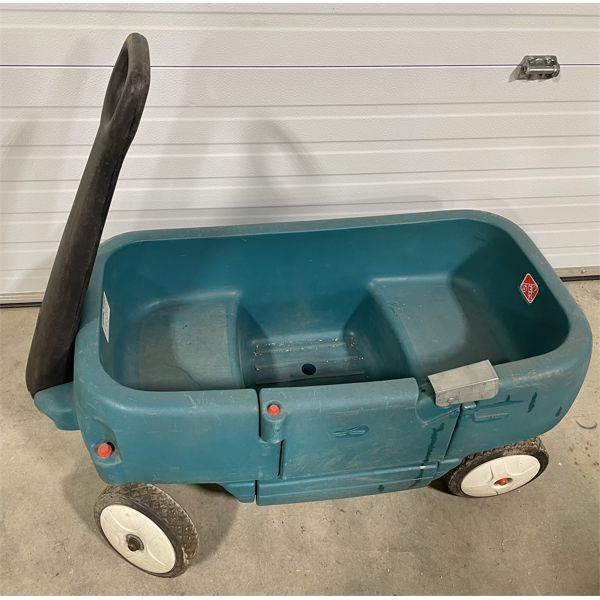 STEP TWO CHILD'S WAGON