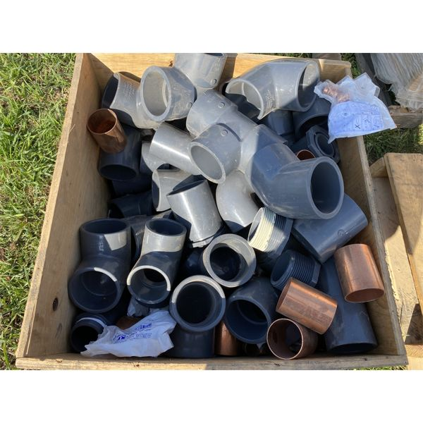 BOX LOT OF INDUSTIAL GRADE PIPE FITTINGS - POLY & COPPER