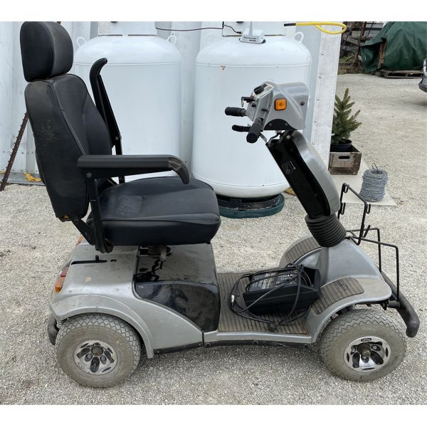 WINNER - BATTERY OPERATED MOBILITY SCOOTER